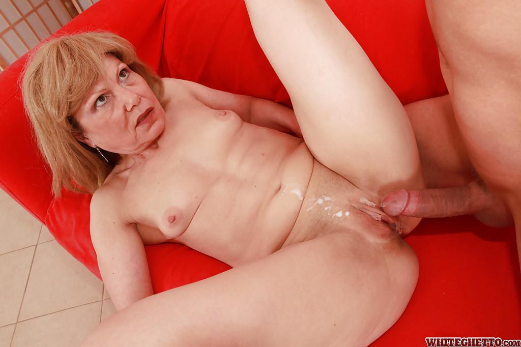 Порно ролики старушки оргазм кричат