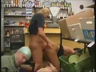 Порно з дуже малими дітьми смотреть онлаін на телефоні фото 53-57